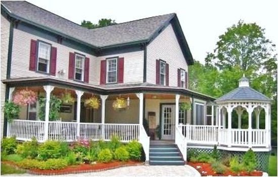 Lakeview Inn: Main House