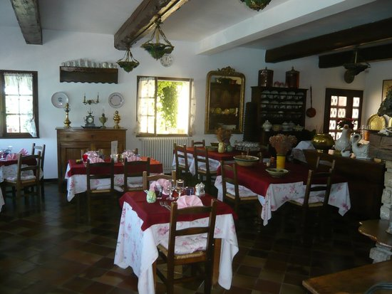 Auberge du Lac : Main dining room