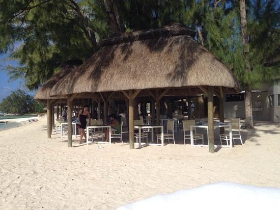 Ambre Resort & Spa: Beach restaurant