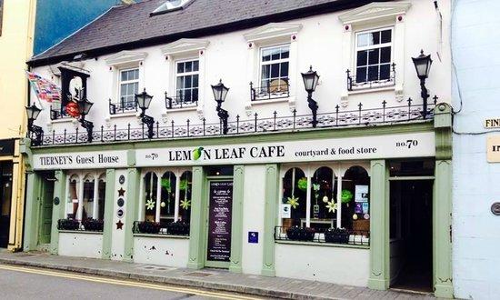 The Lemon Leaf Cafe: Great Atmosphere