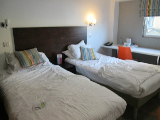 Ibis Styles London Excel: Twin room