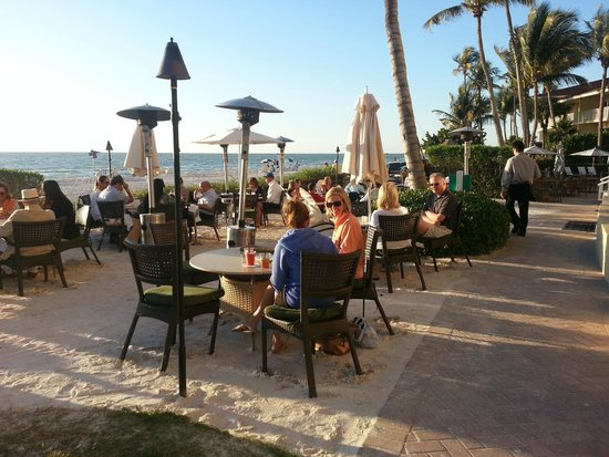 LaPlaya Beach & Golf Resort, A Noble House Resort: OCEAN front dining and fire pit