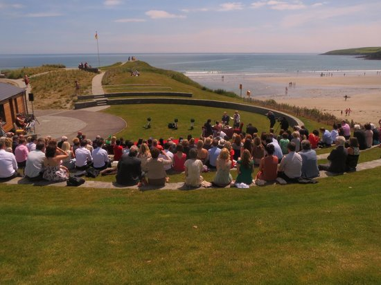 Inchydoney Island Lodge & Spa: wedding in the grounds with sea view