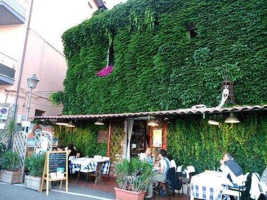 L 39 esterno del ristorante picture of pizzeria el pirata for L esterno del ristorante sinonimo