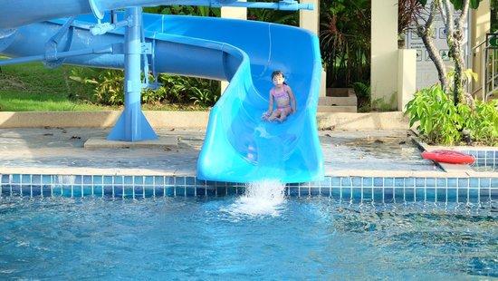 Centara Seaview Resort Khao Lak: Water slide.