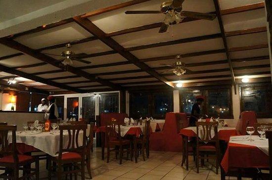 La Dolce Vita (siège de Port Mole): Le Restaurant (salle climatisé)