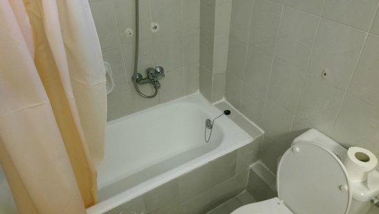 Princess Hotel: Bathroom