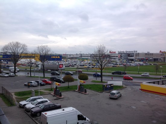 System Hotel Krakow: Hotel View of Ikea and Shopping Centre