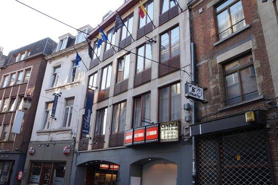 Floris Arlequin Grand'Place: fachada del hotel