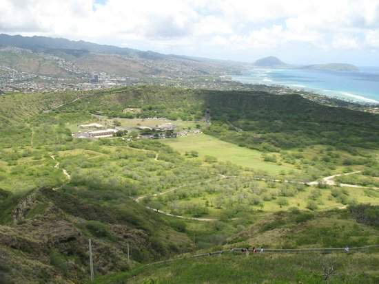 Diamond Head: Looking down at the crater from the top.