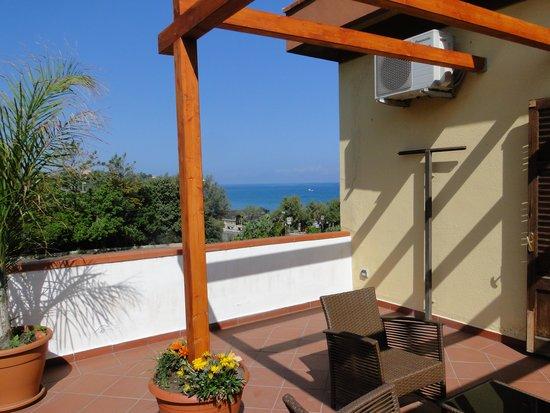 Villa Cerniglia B&B: Terrace