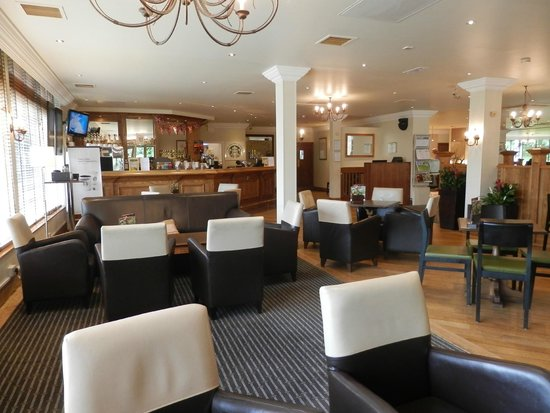 Holiday Inn York: The bar
