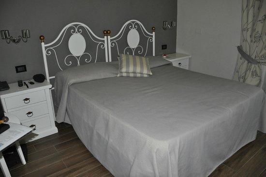 Hotel Ferrucci: CHAMBRE