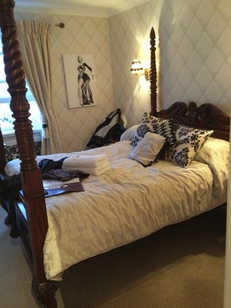 Regency Hotel Brighton : Fourposter bed