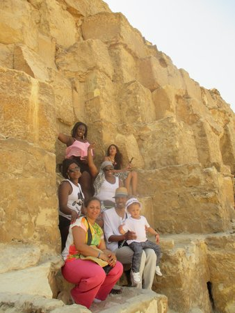 Falcon Adventure : On the Rocks - Cairo