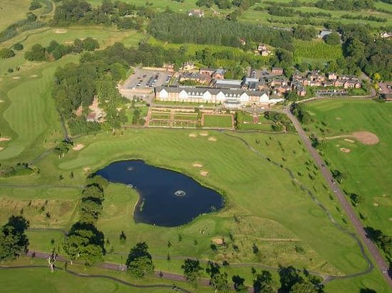 Broxton, UK: 1000 acres of Cheshire countryside
