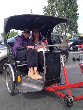 Hotel Edouard 7: Rickshaw Experience!