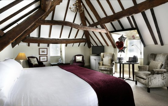 Macdonald Alveston Manor Hotel: Feature King Bedroom