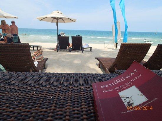 Buri Rasa Village Samui: Relax mode on the beach..cool