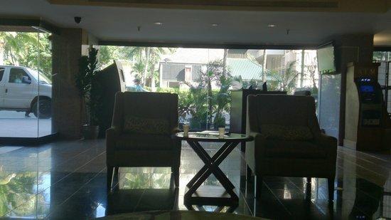 Aqua Palms Waikiki: Lobby