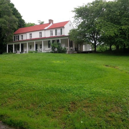 Lincoln, VA: Farm House - B&B