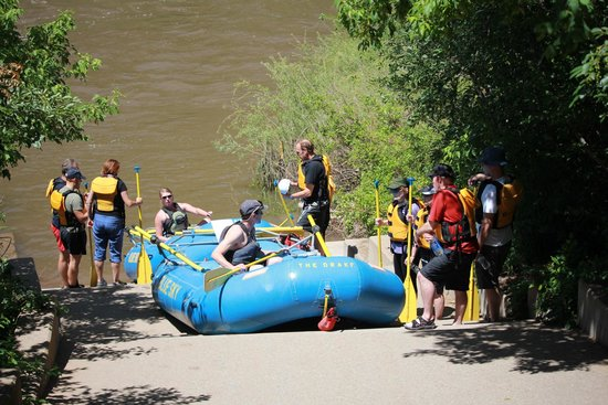 Blue Sky Adventures : Getting ready to hit the Colorado River