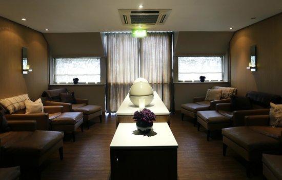 Macdonald Alveston Manor Hotel: Relaxation room