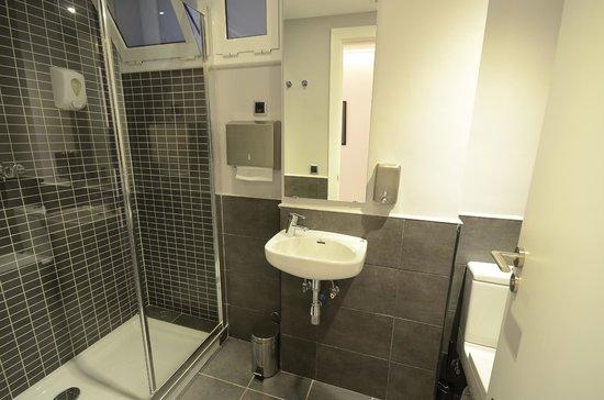 Free Hostels: Baño 06