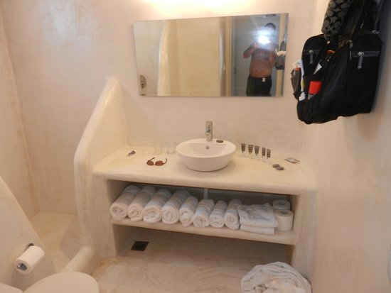 Lindos Sun Hotel : Bathroom of Duplex two level room
