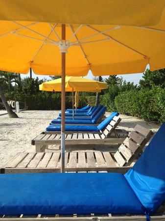 Sunset Beach Inn: Pool area super clean.