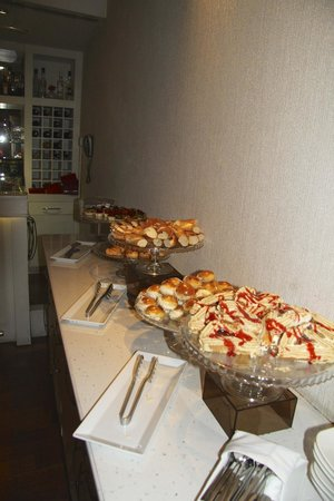 Hotel Amira Istanbul: Complimentary afternoon snacks