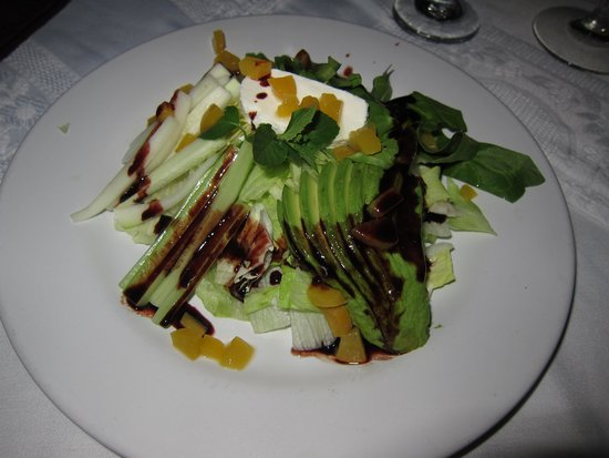 Playa Los Arcos Hotel Beach Resort & Spa: beautiful salad at wedding dinner
