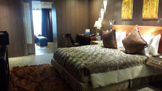 Radisson Blu Hotel: King size room