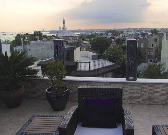 Hotel Amira Istanbul: Little Aya Sofya viewed from rooftop terrace