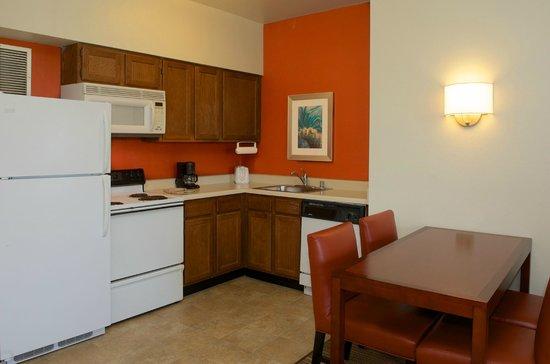 Residence Inn Palm Desert : In-Room Kitchen