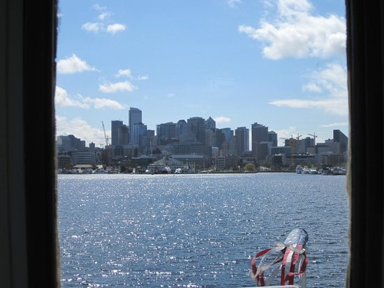 Seattle Ferry Service Day Tours : View from inside the boat's main cabin.
