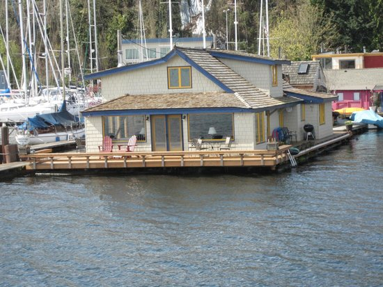 Sleepless in Seattle houseboat. - Picture of Seattle Ferry ...