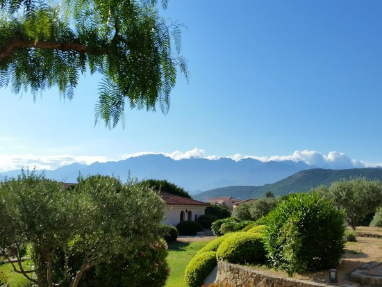La Villa : Perfekt gepflegte Aussenanlage