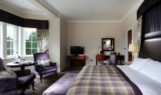 Macdonald Forest Hills Hotel & Spa: Feature King