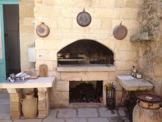 Salento Guesthouse B&B : Argentinischer Grill im gemütlichen Innenhof