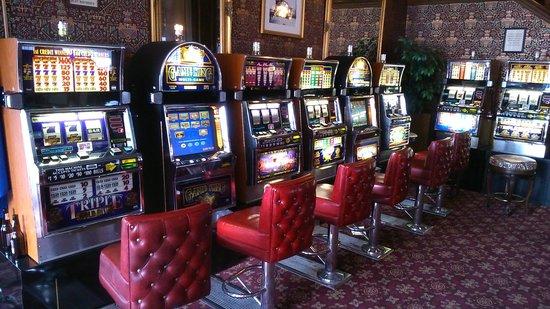 Mizpah Hotel: Machines à sous