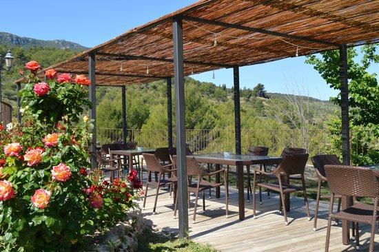 Hotel Rural Masia La Mota: Terraza de Masia La Mota
