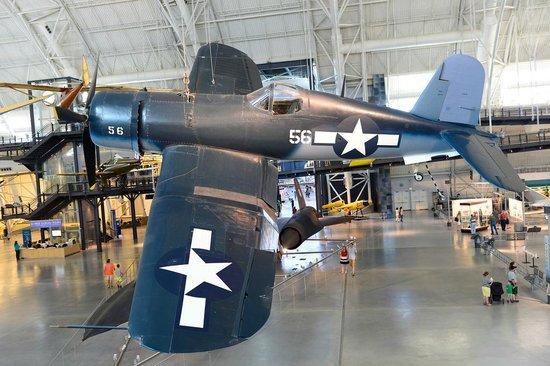 Smithsonian National Air and Space Museum Steven F. Udvar-Hazy Center: Поршневые монстры