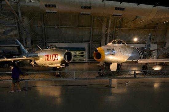 Smithsonian National Air and Space Museum Steven F. Udvar-Hazy Center: Противостояние времен Корейской войны