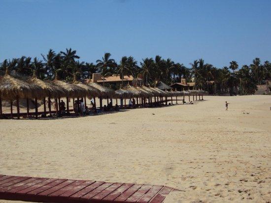 Villa del Palmar Beach Resort & Spa Los Cabos: Playa El Chileno...palapas