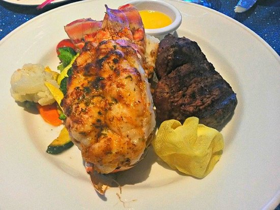 Abaco Beach Resort and Boat Harbour Marina: Surf and turf at it's finest