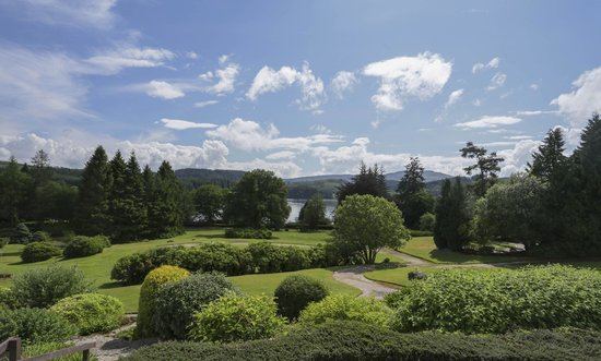 Macdonald Forest Hills Hotel & Spa: Loch View