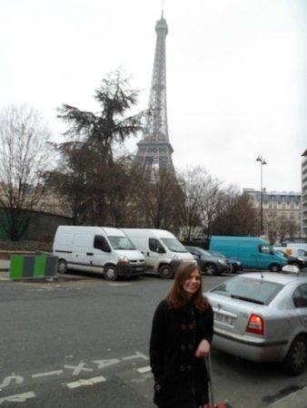 Mercure Paris Centre Eiffel Tower Hotel : Front of the hotel