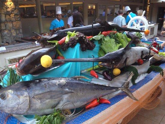Marti Resort de Luxe : Fish night at Marti