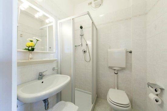 Vena d'Oro Hotel Terme : bagno della camera singola